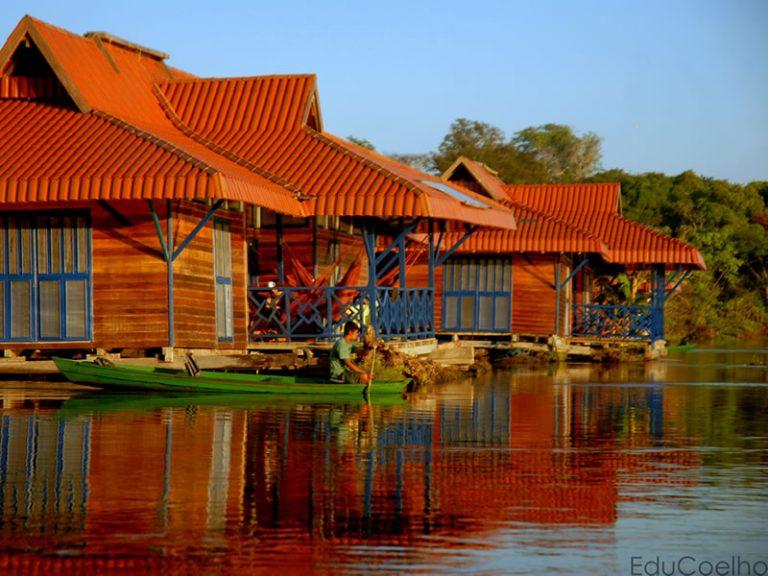 Uakari Floating Lodge - By Eduardo Coelho