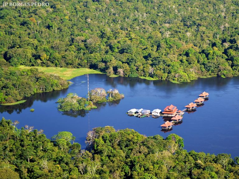 Uakari Floating Lodge - Aerial view - By J.P. Borges Pedro